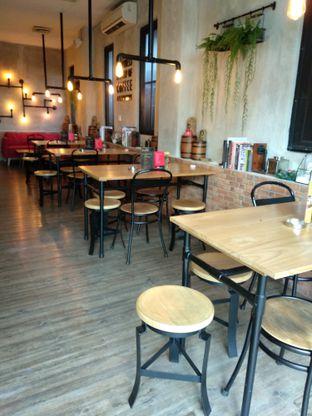 Foto 5 - Interior di Gerilya Coffee and Roastery oleh Ika Nurhayati