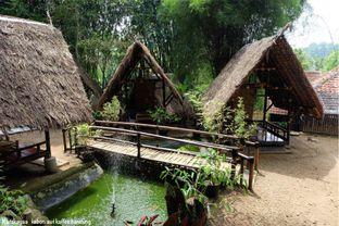 Foto 1 - Interior di Kebon Awi Kaffee oleh katakaya