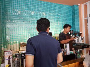 Foto review Dibawahtangga oleh Siti Hiroshi 1