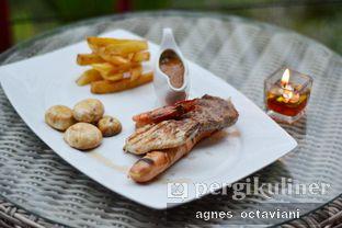 Foto 3 - Makanan(Mighty Mixed Grill) di Rumah Miring oleh Agnes Octaviani