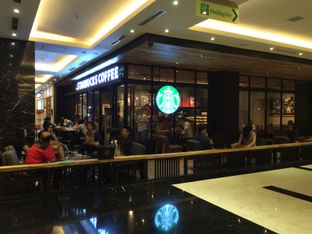 Foto 3 - Eksterior di Starbucks Coffee oleh Elvira Sutanto