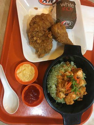 Foto 1 - Makanan di A&W oleh Prido ZH