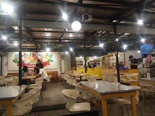 Foto 3 - Interior di The Addicteat oleh @kulinerjakartabarat