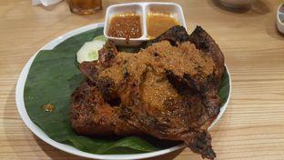 Foto 4 - Makanan(Ayam Bakar Taliwang) di Bale Lombok oleh Oswin Liandow
