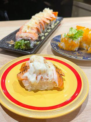 Foto 3 - Makanan(Aburi Salmon with Pineapple & Mayo) di Kappa Sushi oleh Winda Verfida