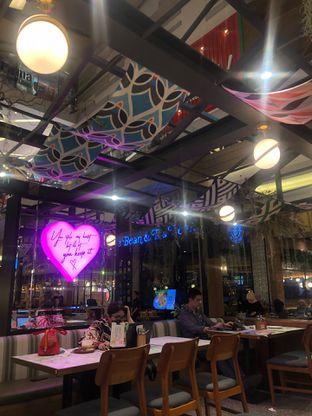 Foto 11 - Interior di Pish & Posh Cafe oleh feedthecat