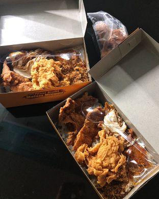 Foto 1 - Makanan(Nasi kulit + ayam fillet) di Nasi Kulit Malam Minggu oleh Claudia @grownnotborn.id