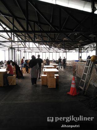 Foto 5 - Interior di Ludwick Cafe oleh Jihan Rahayu Putri