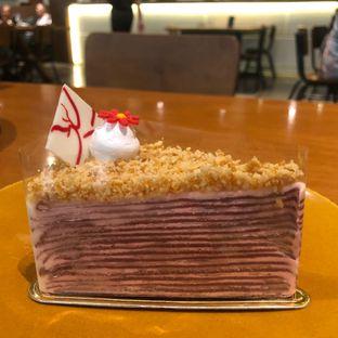 Foto 1 - Makanan(Red velvet Mille Crepes) di Bellamie Boulangerie oleh syandra adivia