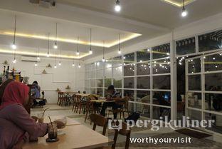 Foto 2 - Interior di 404 Eatery & Coffee oleh Kintan & Revy @worthyourvisit
