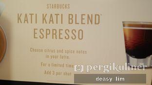 Foto 13 - Interior di Starbucks Coffee oleh Deasy Lim