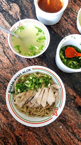 Foto 2 - Makanan di Bakmi Ayam Alok oleh Naomi Suryabudhi