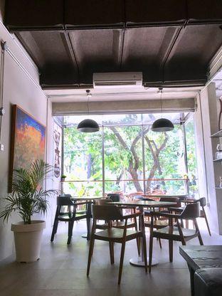 Foto 8 - Interior di Kapyc Coffee & Roastery oleh Prido ZH