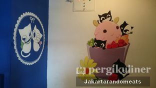 Foto 10 - Interior di Cyrano Cafe oleh Jakartarandomeats