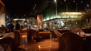 Foto 8 - Interior di C's Steak and Seafood Restaurant - Grand Hyatt oleh Lid wen