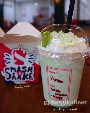 Foto 3 - Makanan(double green tea) di Smash and Shake oleh Kintan & Revy @worthyourvisit