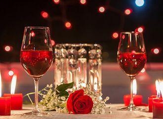 Ingin Dinner Romantis Tapi Ditolak Masuk Restoran, Bisa Jadi Ini Penyebabnya!