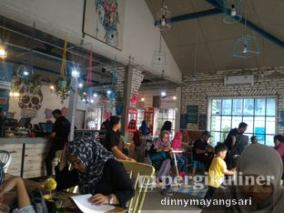 Foto 3 - Interior di Happiness Kitchen & Coffee oleh dinny mayangsari