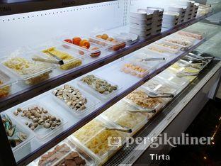 Foto 6 - Interior di Beauty Hotpot Restaurant oleh Tirta Lie