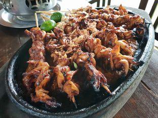 Foto 3 - Makanan(Sate jamur tiram) di Talaga Sampireun oleh Pengembara Rasa