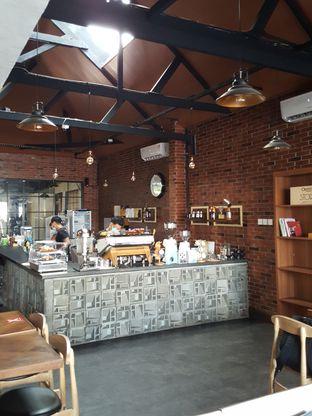 Foto 10 - Interior di Kolonial Bistro & Roastery oleh Stallone Tjia (@Stallonation)