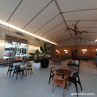 Foto review Divani's Boulangerie & Cafe oleh Pria Lemak Jenuh 10