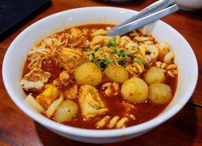 5 Kuliner Pedas Asal Jawa Barat yang Pedasnya Bikin Gila