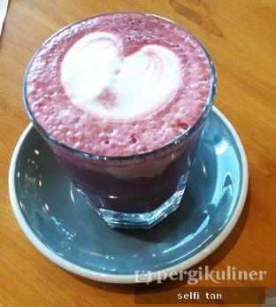 Foto 4 - Makanan di Colleagues Coffee x Smorrebrod oleh Selfi Tan