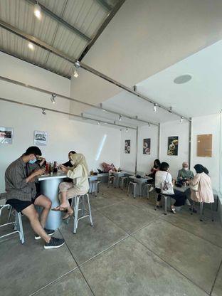 Foto 2 - Interior di Sliced Pizzeria oleh @diokharisma