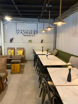 Foto 3 - Interior di Journey Coffee oleh Ias Naibaho