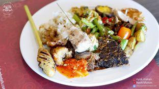 Foto 5 - Makanan di Canting Restaurant - Teraskita Hotel managed by Dafam oleh Nyok Makan