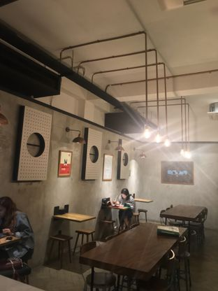 Foto 7 - Interior di Doma Dona Coffee oleh FebTasty  (Feb & Mora)
