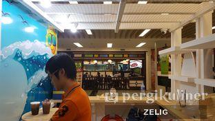 Foto 6 - Interior di Ca Phe oleh @teddyzelig