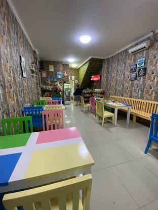 Foto 8 - Interior di Mpek - Mpek & Es Campur Nana oleh Riani Rin