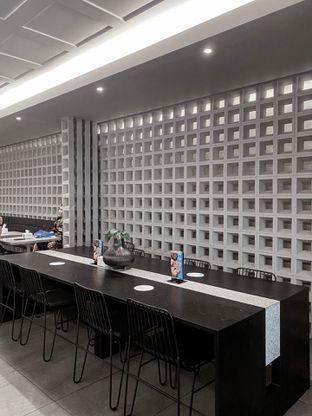 Foto 6 - Interior di YOMS Pisang Madu & Gorengan oleh houseofoodies