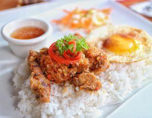 Foto 2 - Makanan(Vietnamese Chickennchop) di Open Door oleh dk_chang