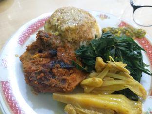 Foto 3 - Makanan di RM Pondok Minang Jaya oleh Sherli Sagita