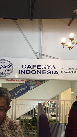 Foto 3 - Interior di Batavia Cafe oleh Yohanacandra (@kulinerkapandiet)