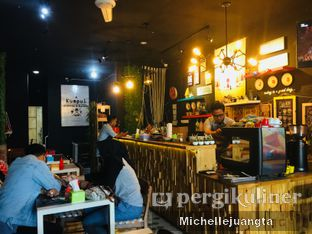 Foto 4 - Interior di Titik Kumpul Coffee & Eatery oleh Michelle Juangta