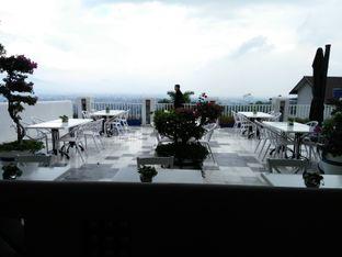 Foto 4 - Eksterior di Orofi Cafe oleh Trias Yuliana