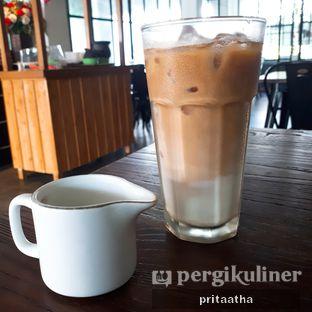 Foto 1 - Makanan(Ice Latte) di D' Oeleg Indonesian Resto & Cafe oleh Prita Hayuning Dias
