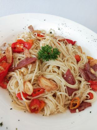 Foto 1 - Makanan di Oiio Bistro oleh Ong Eng Say