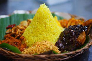 Foto 2 - Makanan di Depot Nasi Campur Pojok Tambak Bayan oleh Tgh_b ( @diaryperutku )