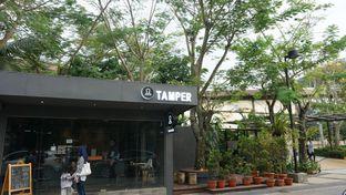 Foto 9 - Interior di Tamper Coffee oleh Meri @kamuskenyang
