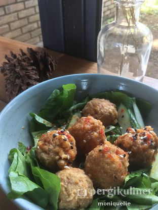 Foto 3 - Makanan(Ball-istic) di Gatherinc Bistro & Bakery oleh Monique @mooniquelie @foodinsnap