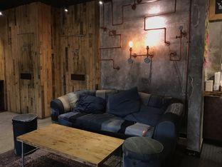 Foto 1 - Interior di Watt Coffee oleh @jakartafoodvlogger Allfreed