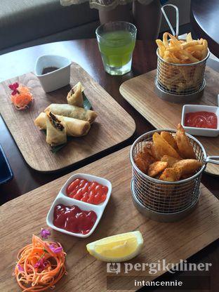 Foto 13 - Makanan di Lobby Lounge - Swiss Belhotel Serpong oleh bataLKurus