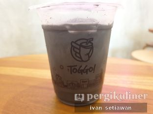 Foto 2 - Makanan(Black Charcoal Latte) di Toggo! oleh Ivan Setiawan