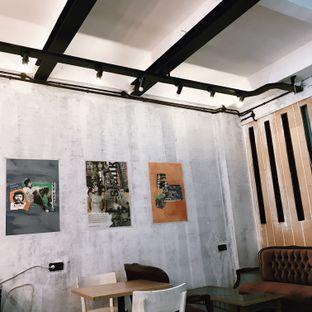 Foto 5 - Interior di Kopi Enak Indonesia oleh Della Ayu