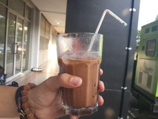 Foto 3 - Makanan(Iced Mocha) di Coarse & Fine Coffee oleh @stelmaris